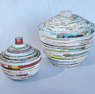 COILED PAPER BOWLS WITH LIDS.