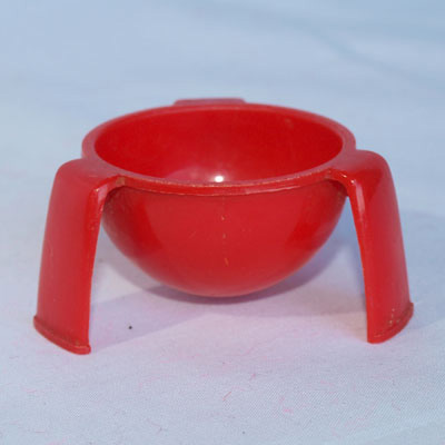 1960's PLASTIC EGG CUP