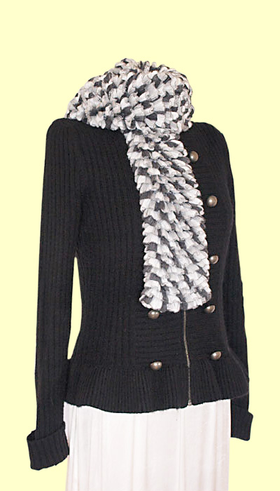 Black,Grey and white frill scarf